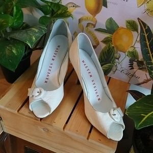 VINTAGE MINT Walter Steigler Cream Heels